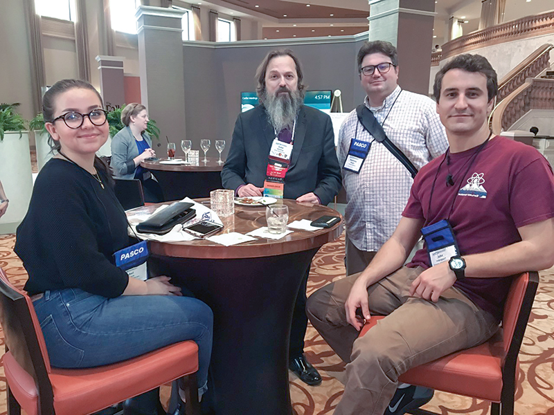 Isabel Montero attends the AAPT Tweet-Up event with John Indergaard (right), Matthew Wright (second from right), and Dr. Gabriel Spalding. Photo by Jerri Anderson, AAPT marketing coordinator.
