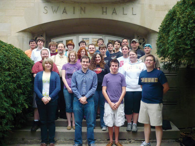 The 2010 Indiana  University (UI) SPS chapter poses for photos.