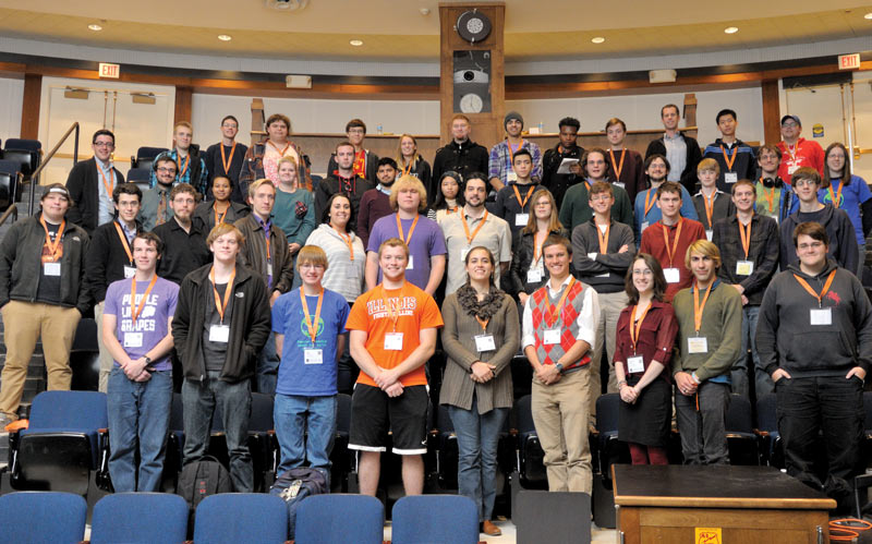 Attendees at the Zone 8 Meeting pause for a snapshot. Photo courtesy of the University of Illinois at Urbana-Champaign SPS chapter.
